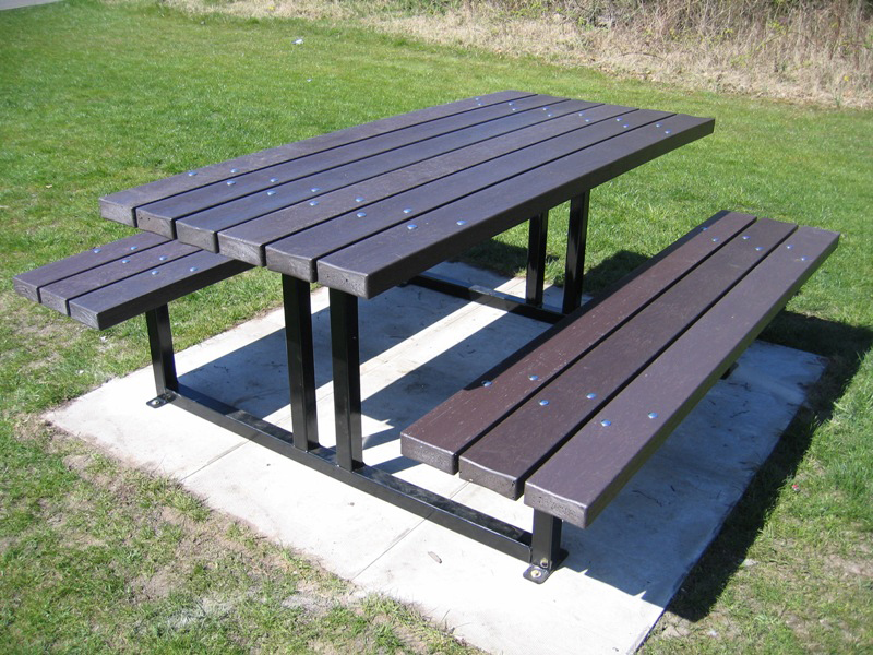 New Forest Picnic Table