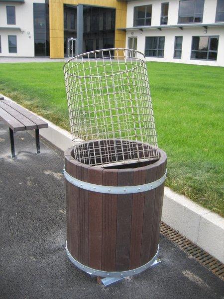 Walton Barrel Waste Bin